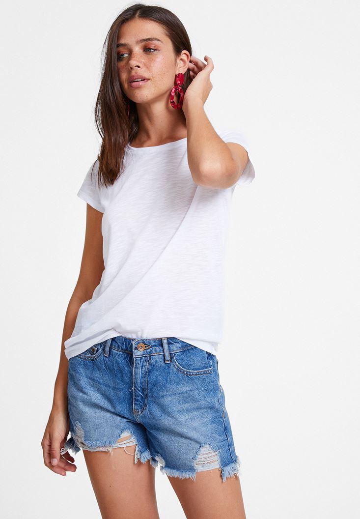 Beyaz Yuvarlak Yaka Yarım Kollu Basic Tişört