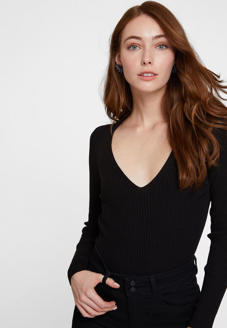 Black Long Sleeve Knitwear with V Neck Detail