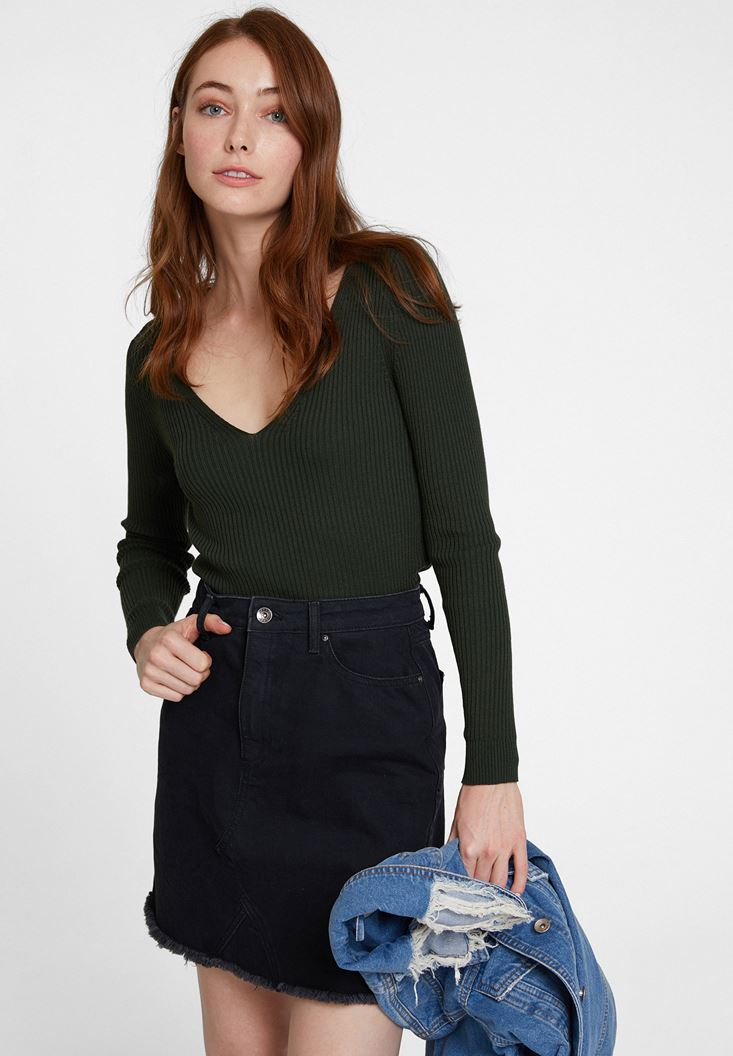 Green Long Sleeve Knitwear with V Neck Detail