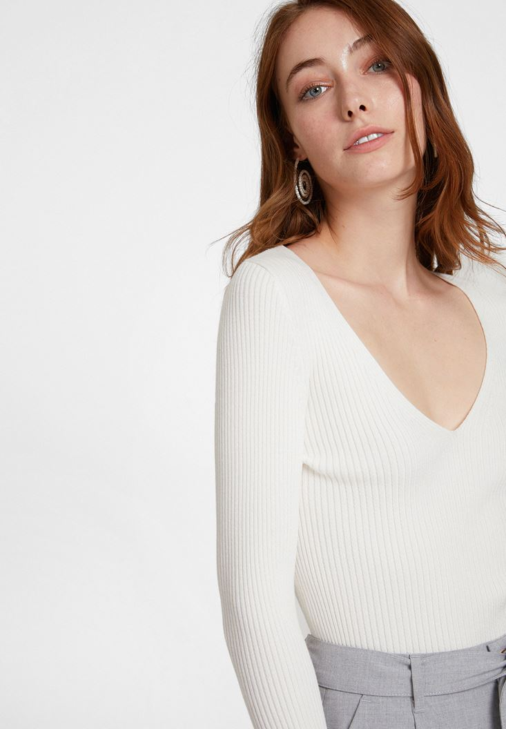 Cream Long Sleeve Knitwear with V Neck Detail
