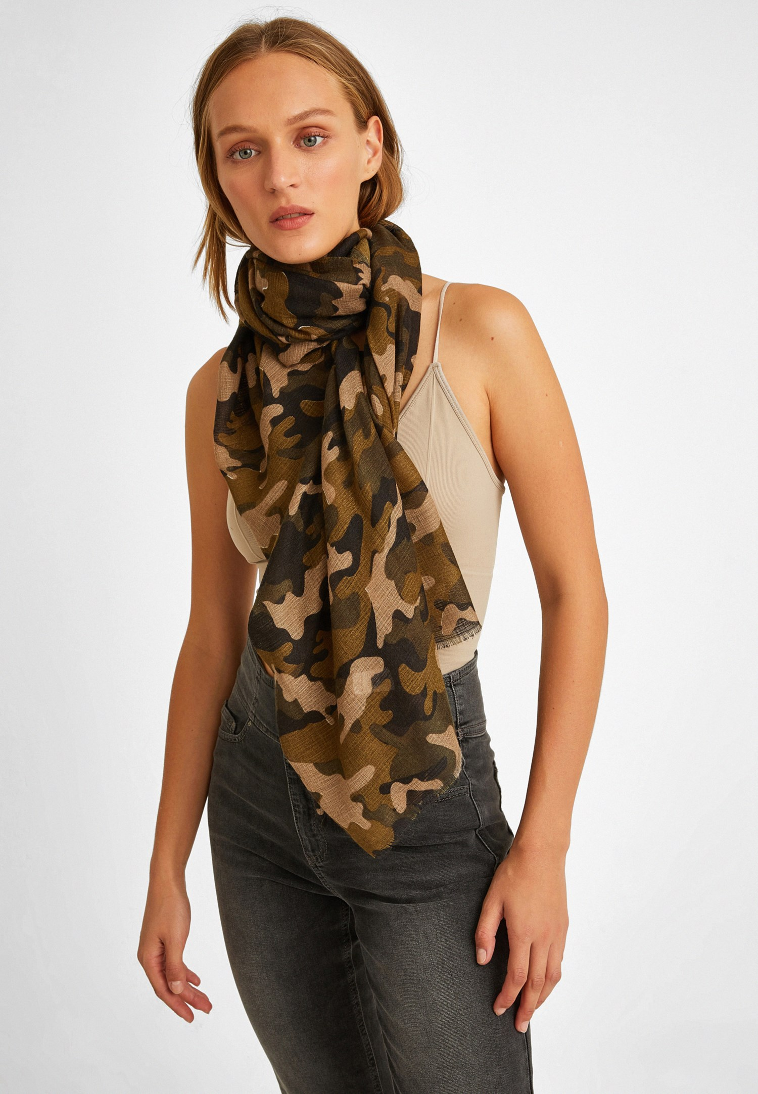 Women Green Cotton Shawl with Camouflage Pattern