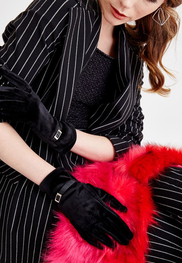 Black Velvet Gloves with Buckle
