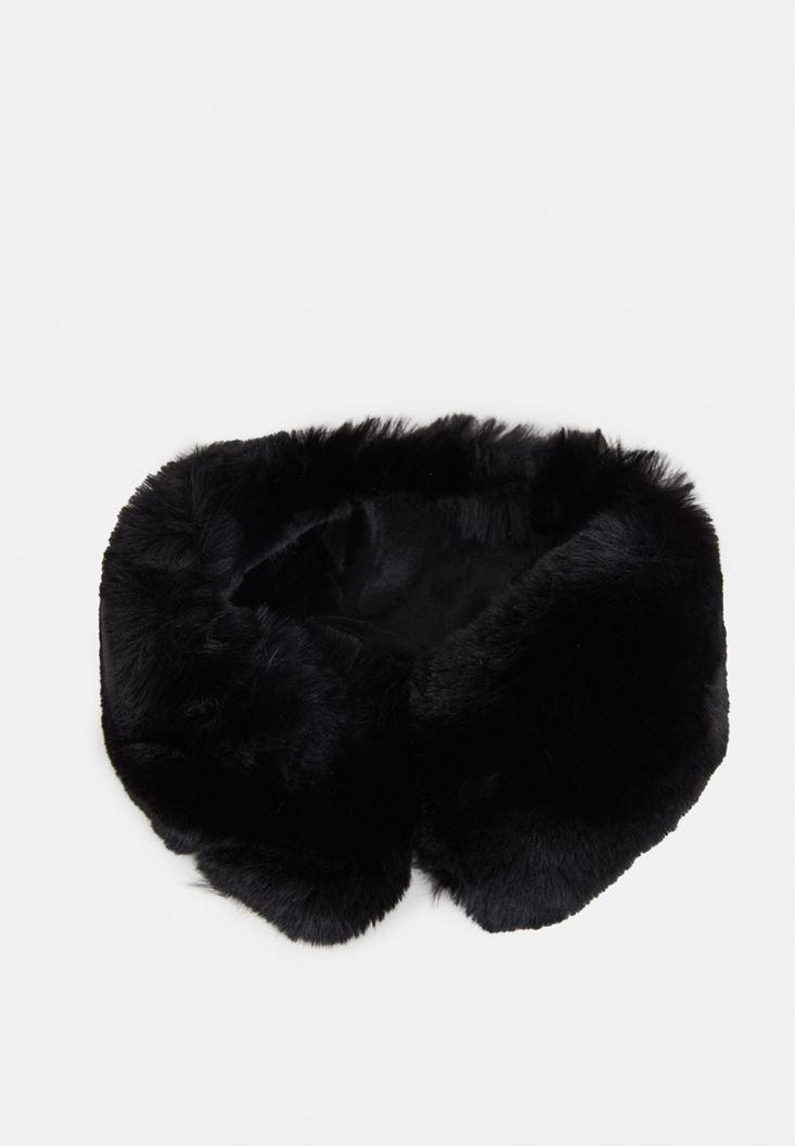 Black Fake Fur Short Neck