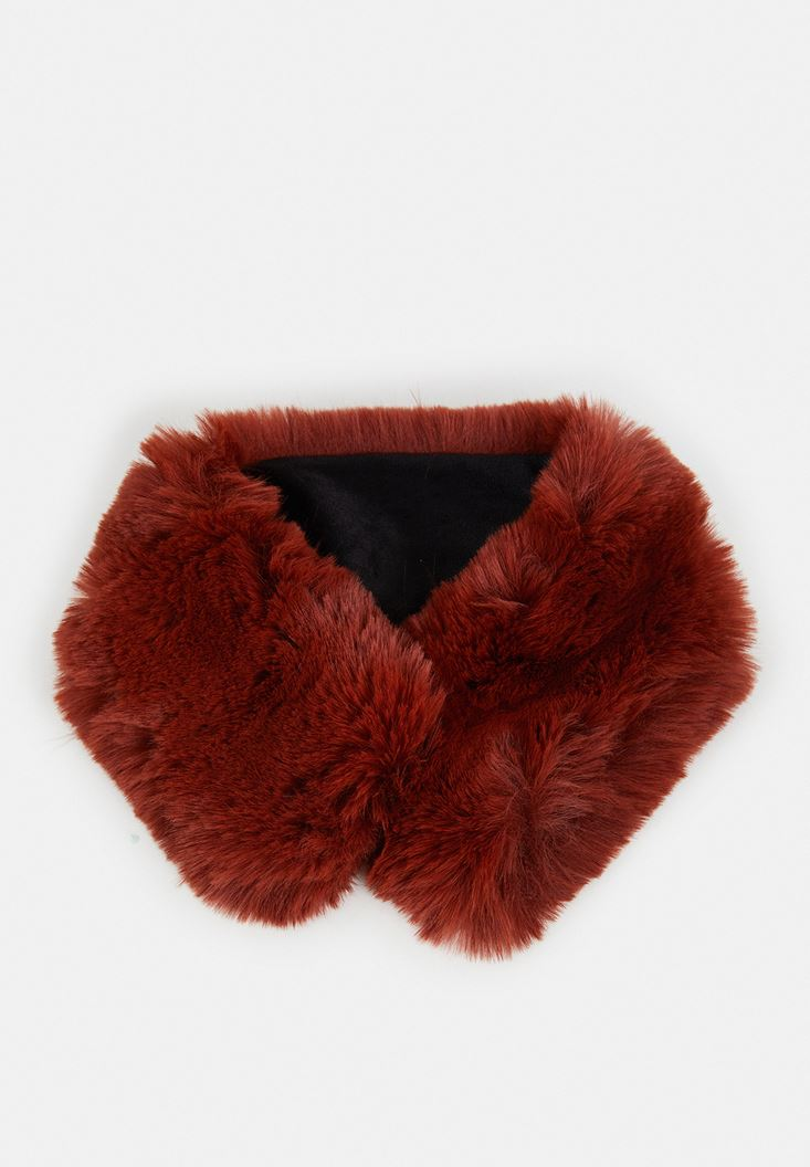 Red Fake Fur Short Neck