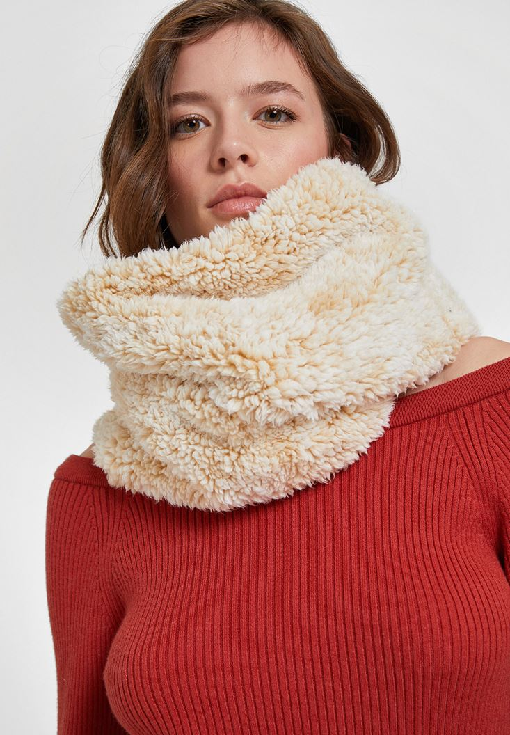 Cream Snood with Faux Fur