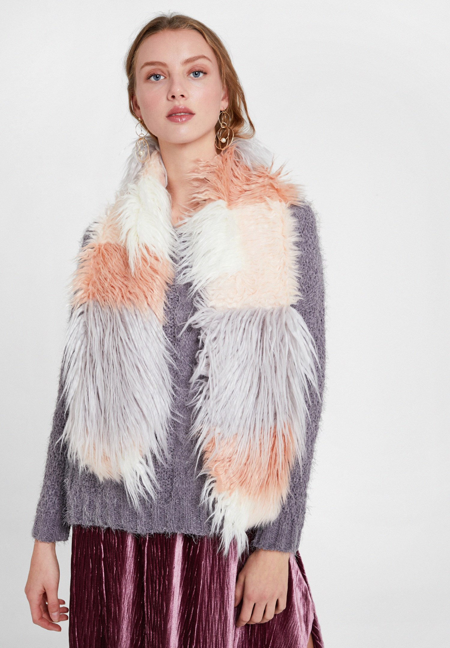 Women Grey Mix Color Faux Fur Shawl