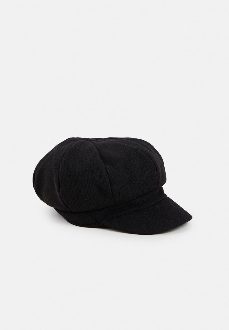 Siyah Detaylı Cap
