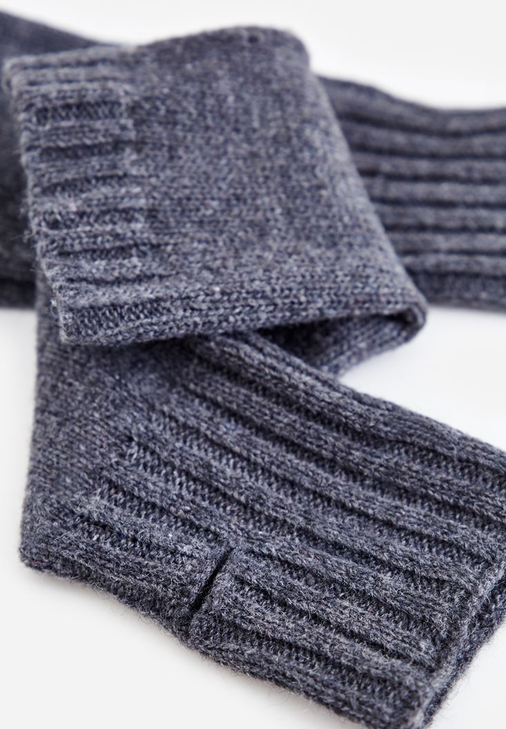 Grey Textured Gloves