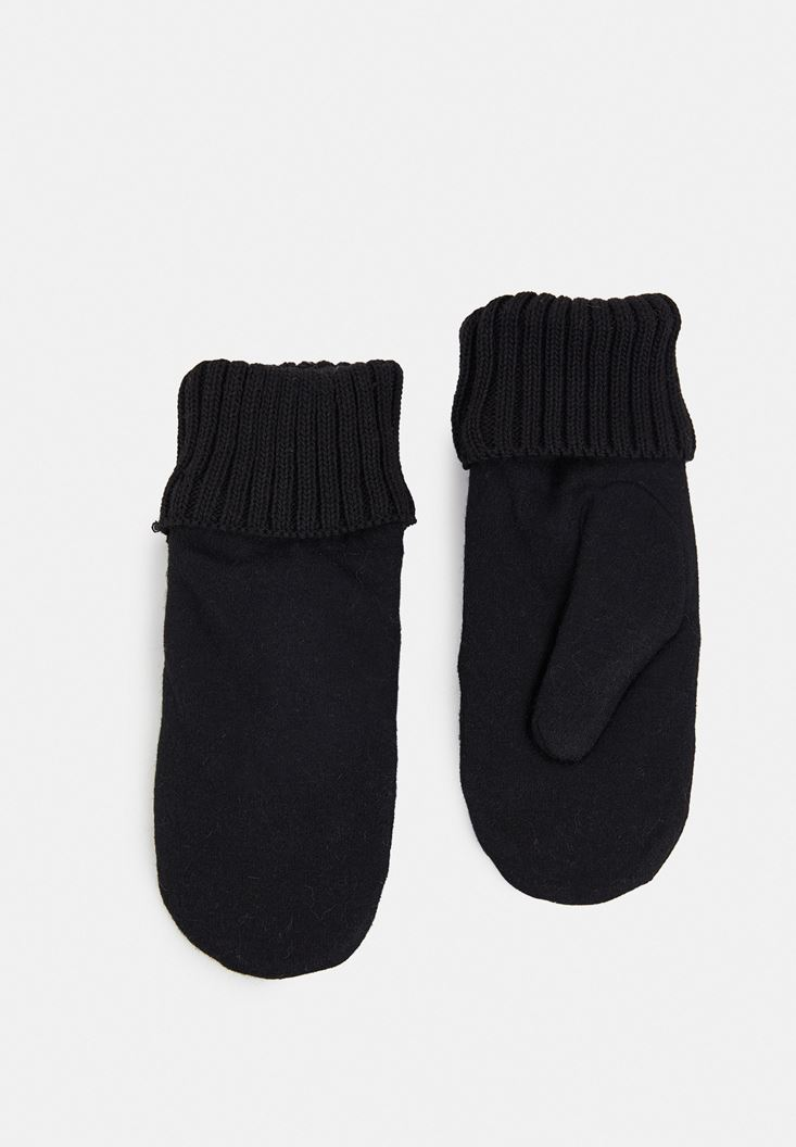 Black Gloves with Elastic Detail