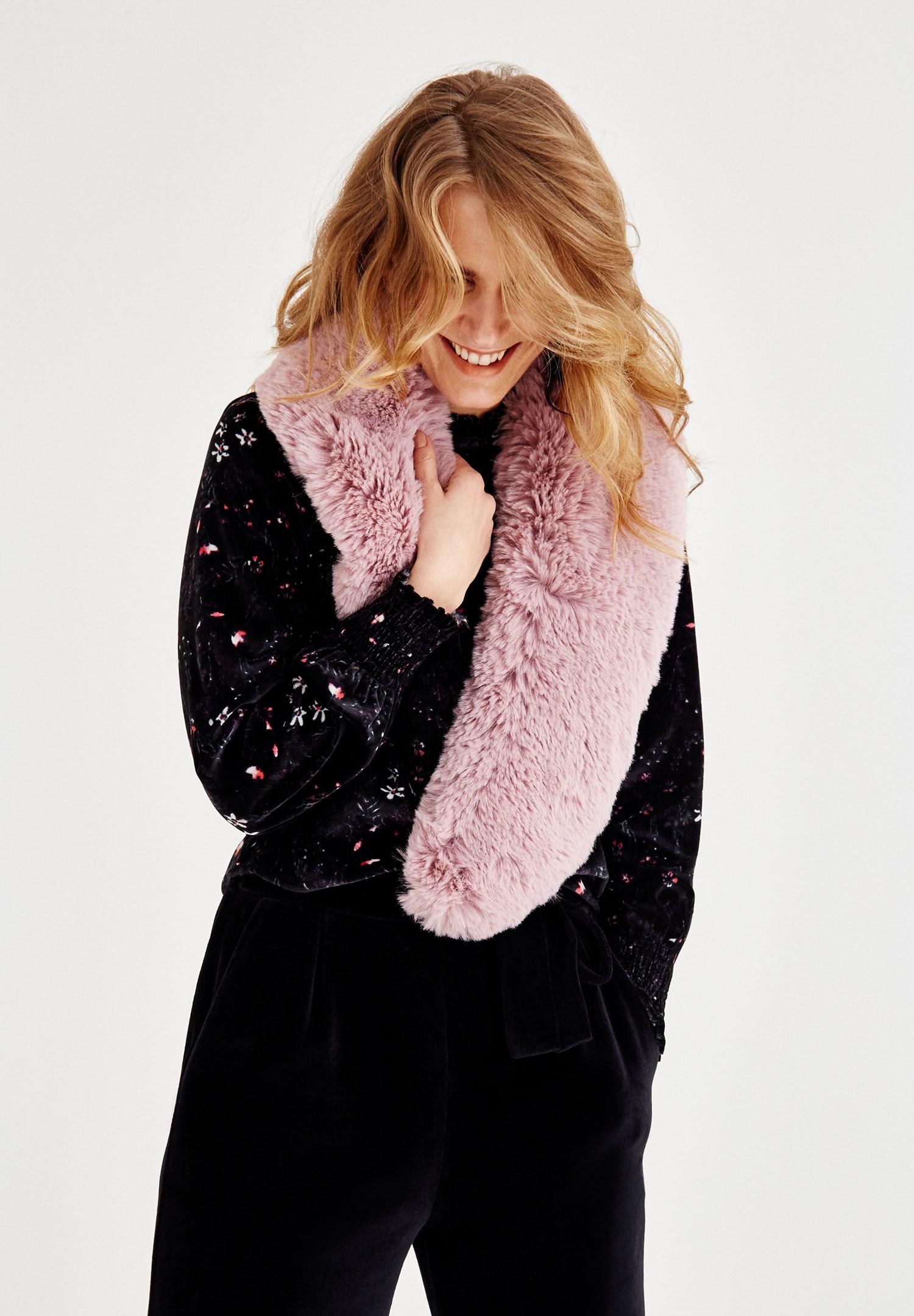 Women Pink Faux Fur Scarf