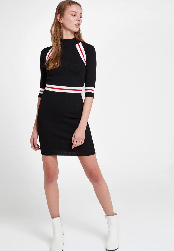 Siyah Çizgi Detaylı Elbise