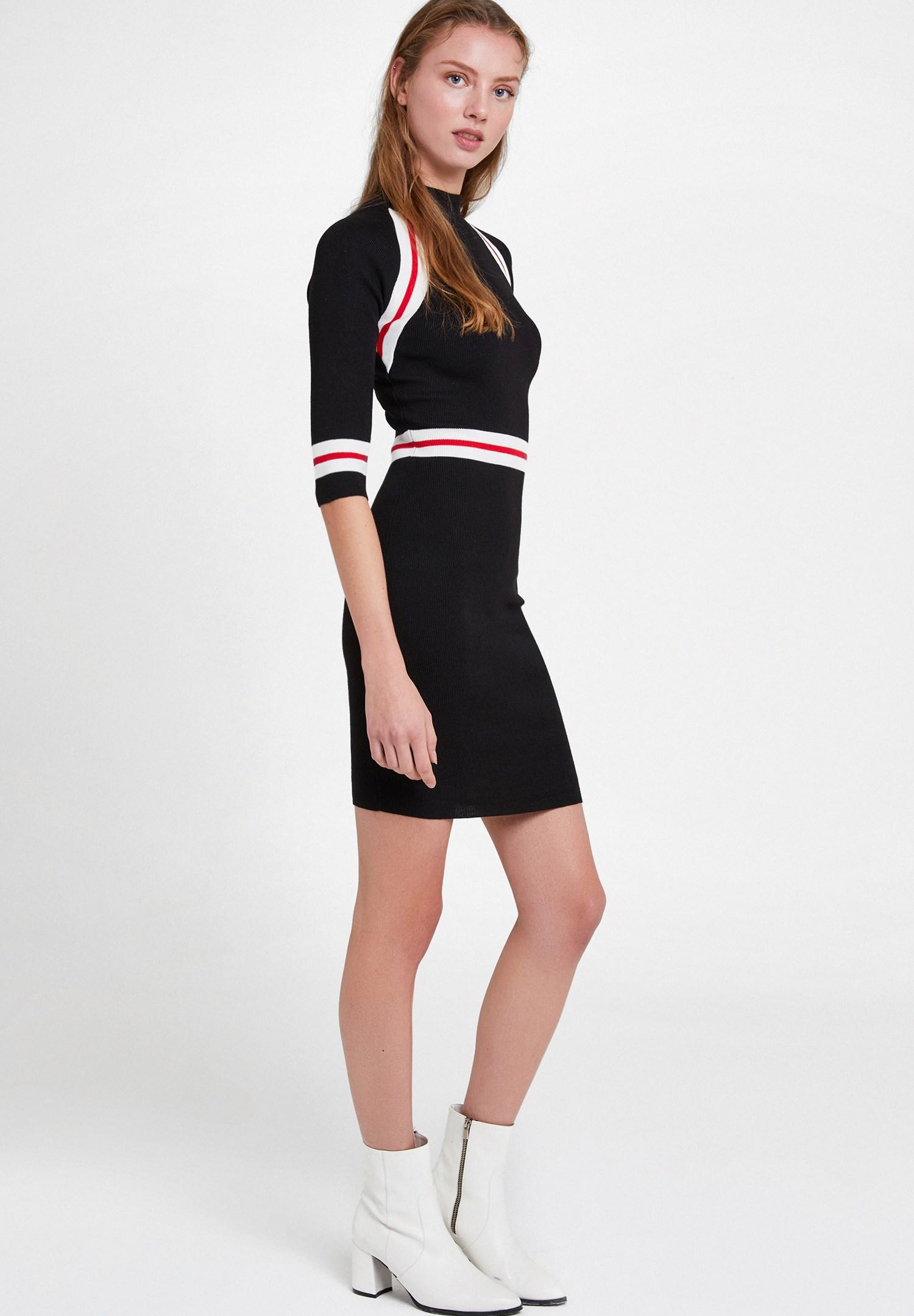 Bayan Siyah Çizgi Detaylı Elbise