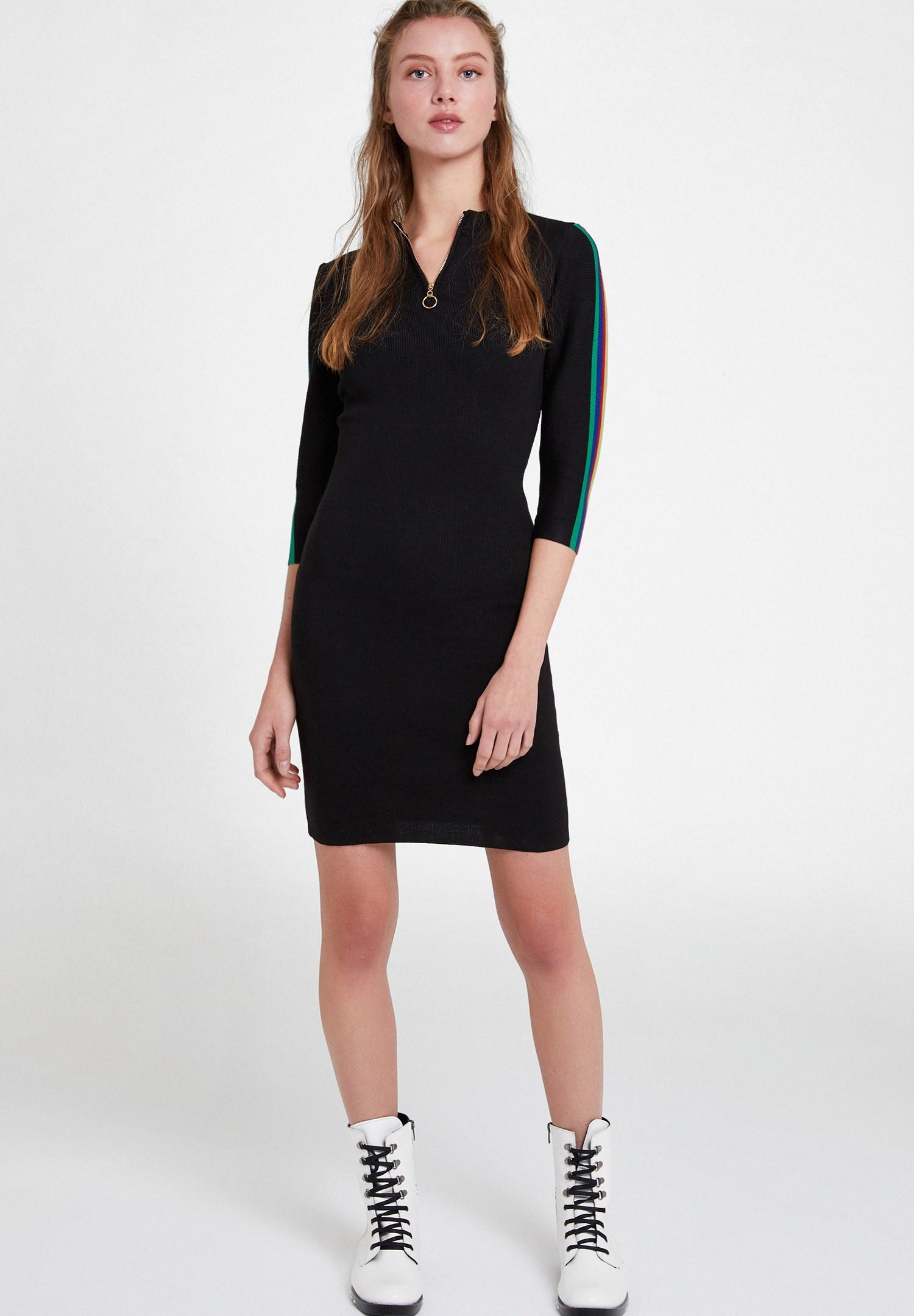 Bayan Siyah Kolları Çizgi Detaylı Elbise