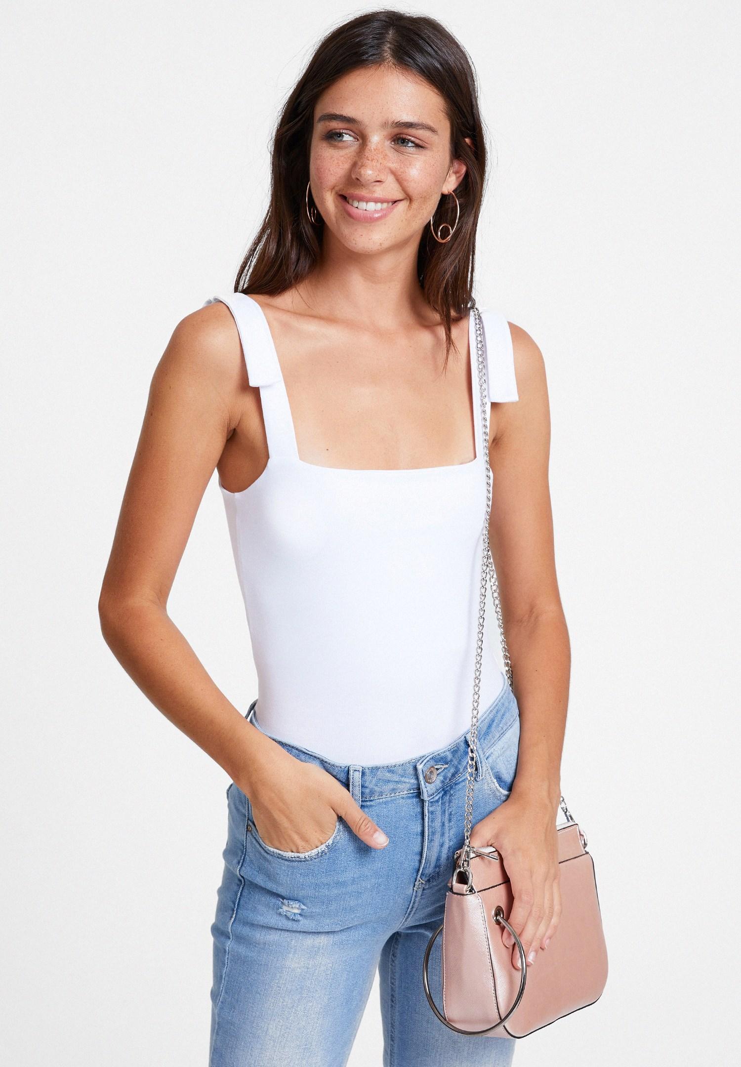 Bayan Beyaz Askı Detaylı Kare Yaka Bluz