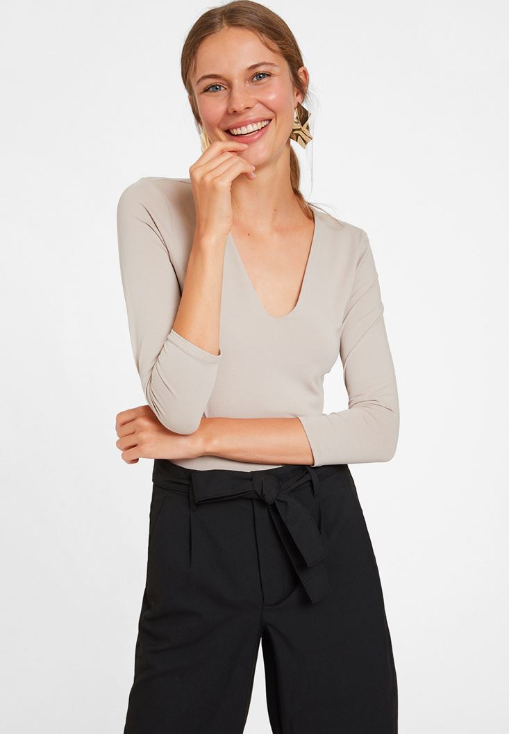 Cream Long Sleeve V Neck T-shirt  with Details