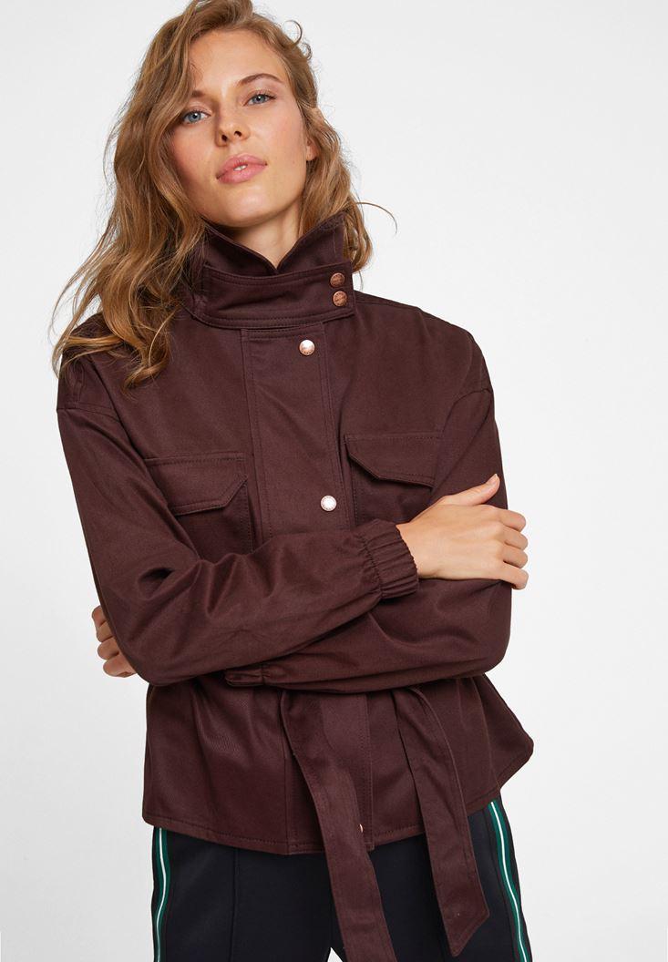 Yaka Detaylı Kemerli Ceket