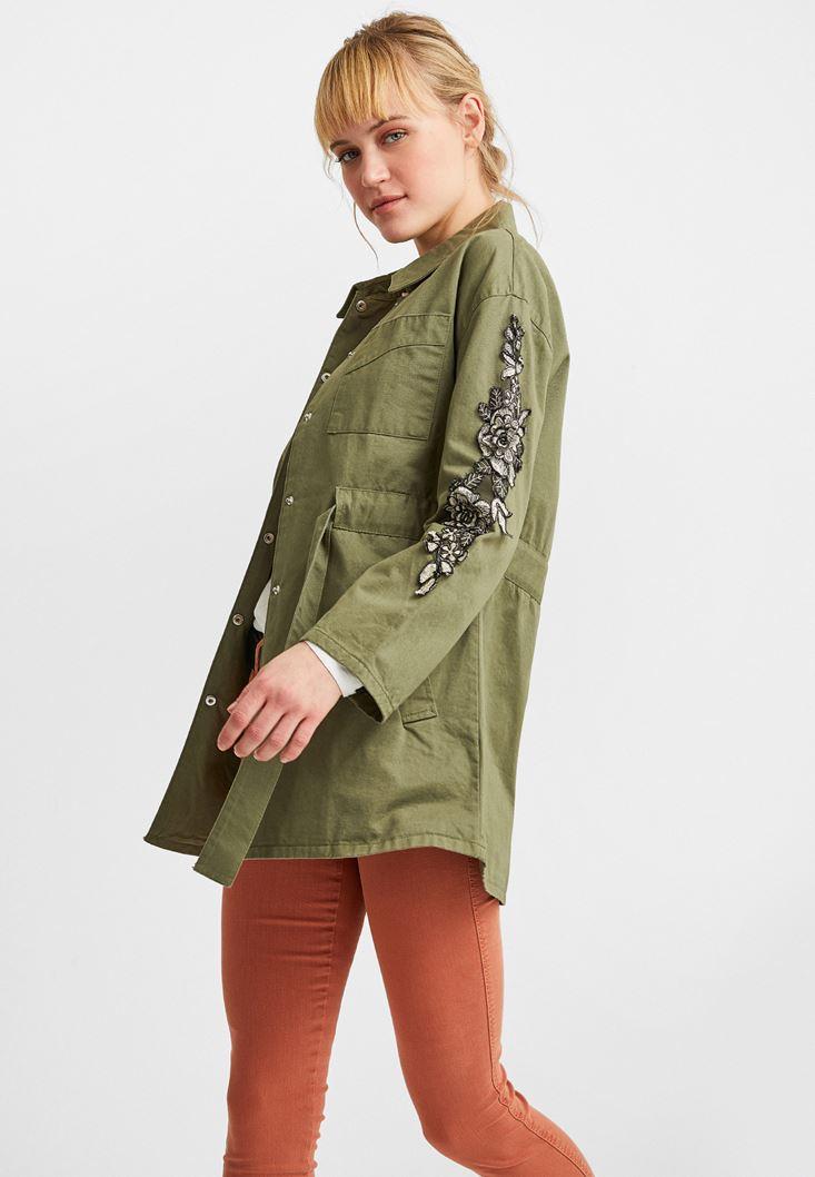 Yeşil Kolları Aplike Detaylı Ceket