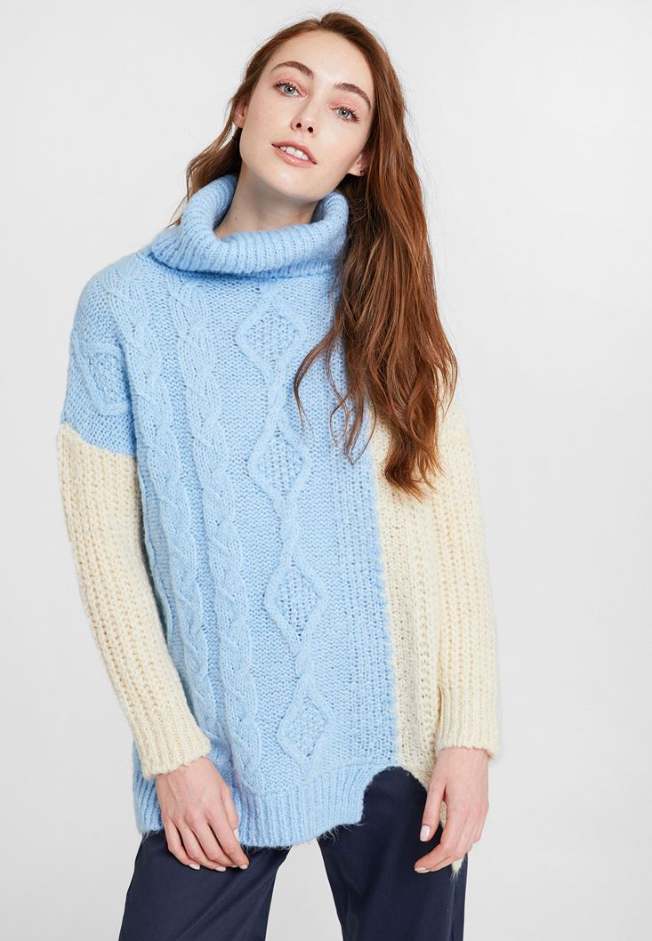 Blue Block Pattern Knitwear with Neck Detail