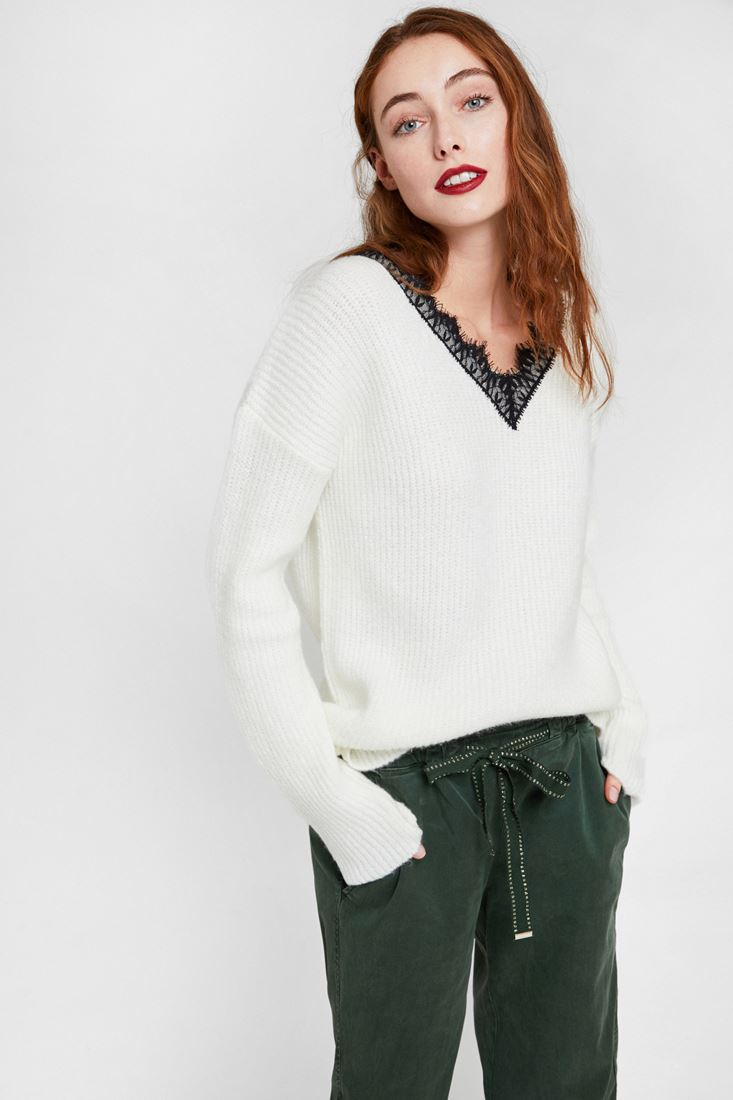 Cream Knitwear with V Lace Neck