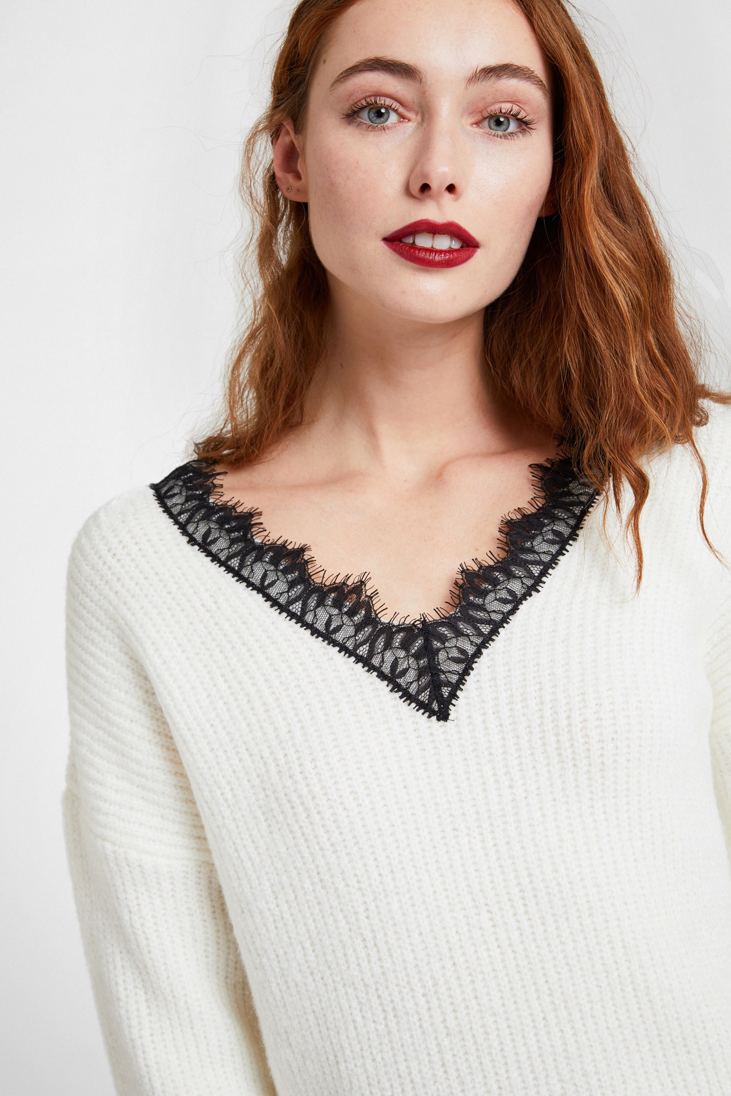 Women Cream Knitwear with V Lace Neck