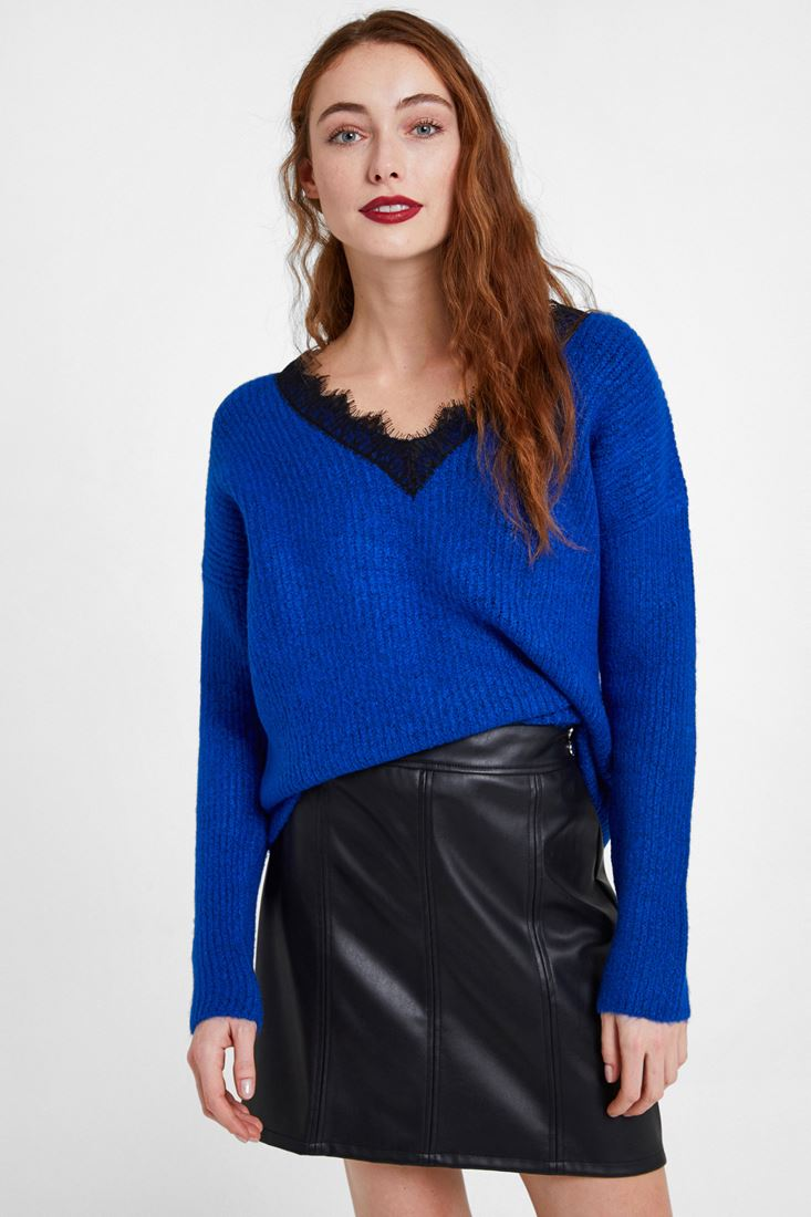 Navy Knitwear with V Lace Neck