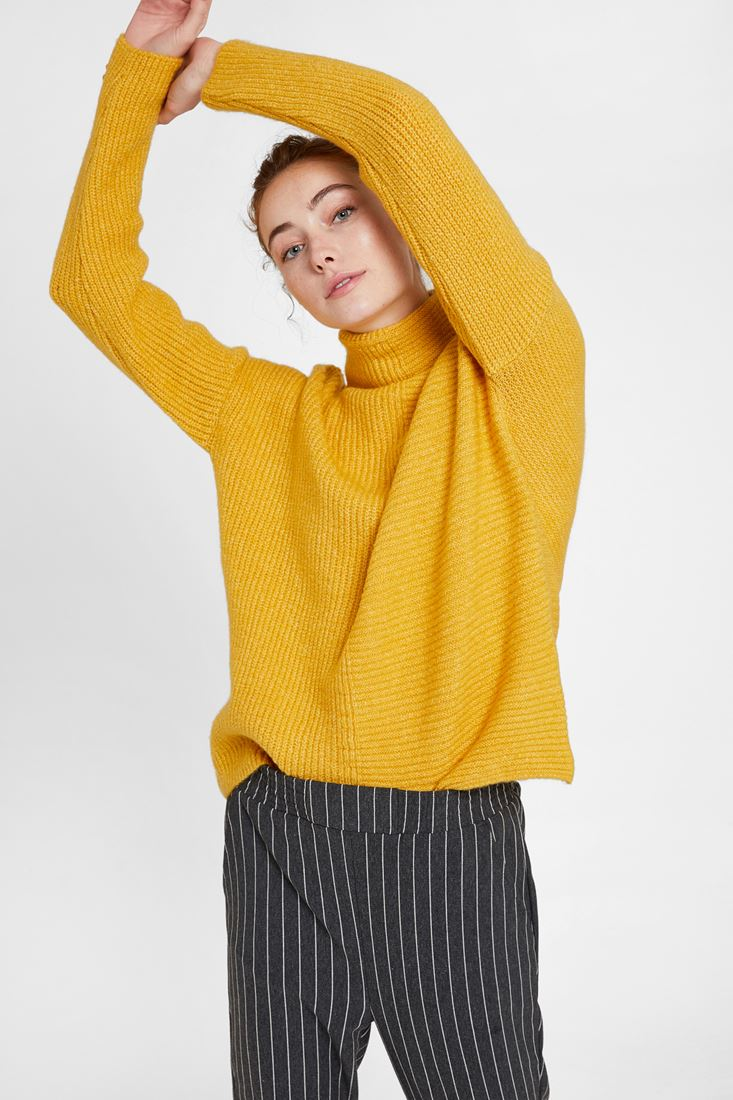 Yellow Pullover with Line Texture