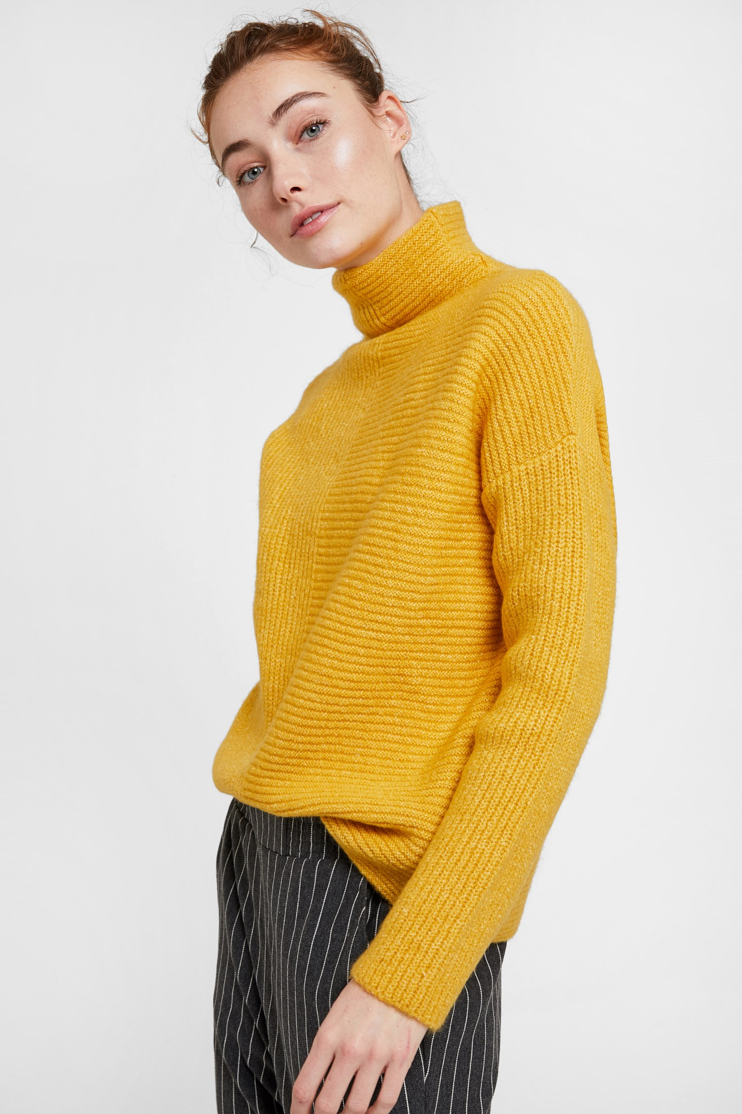 Women Yellow Pullover with Line Texture