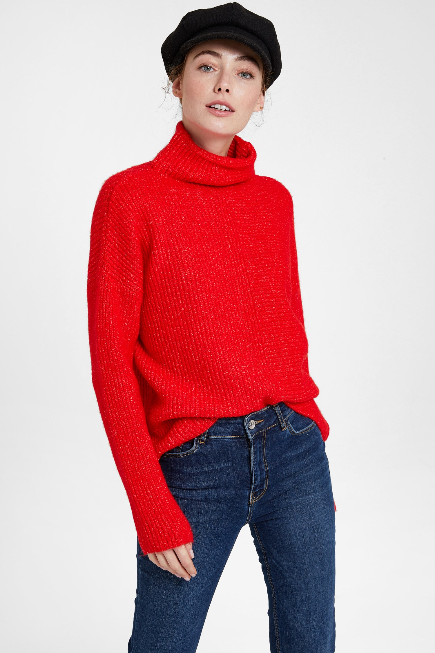 Women Red Pullover with Line Texture