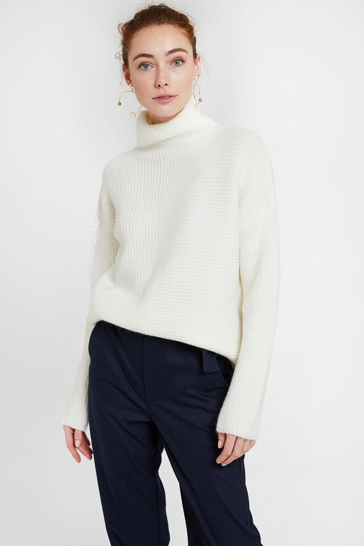 Cream Pullover with Line Texture