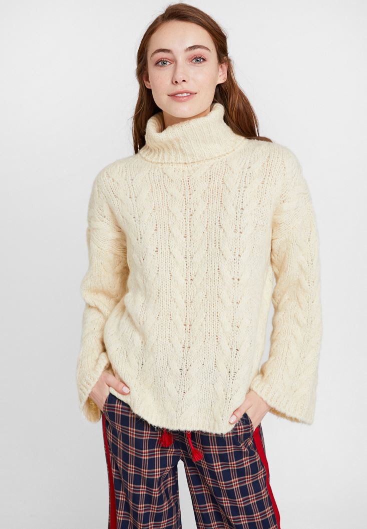 Cream Knitwear with Neck
