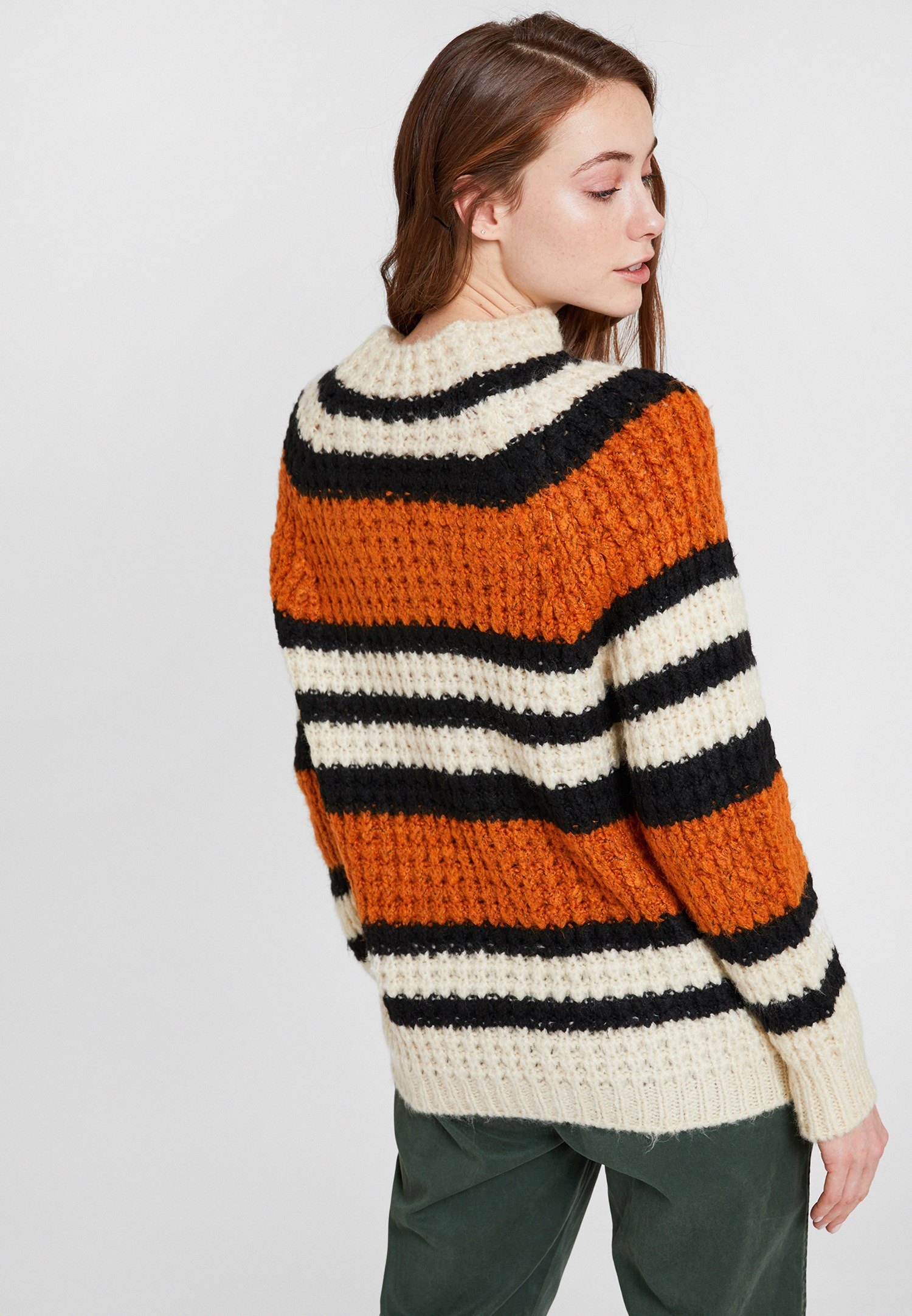 Women Mixed Pullover with Neck and Lines