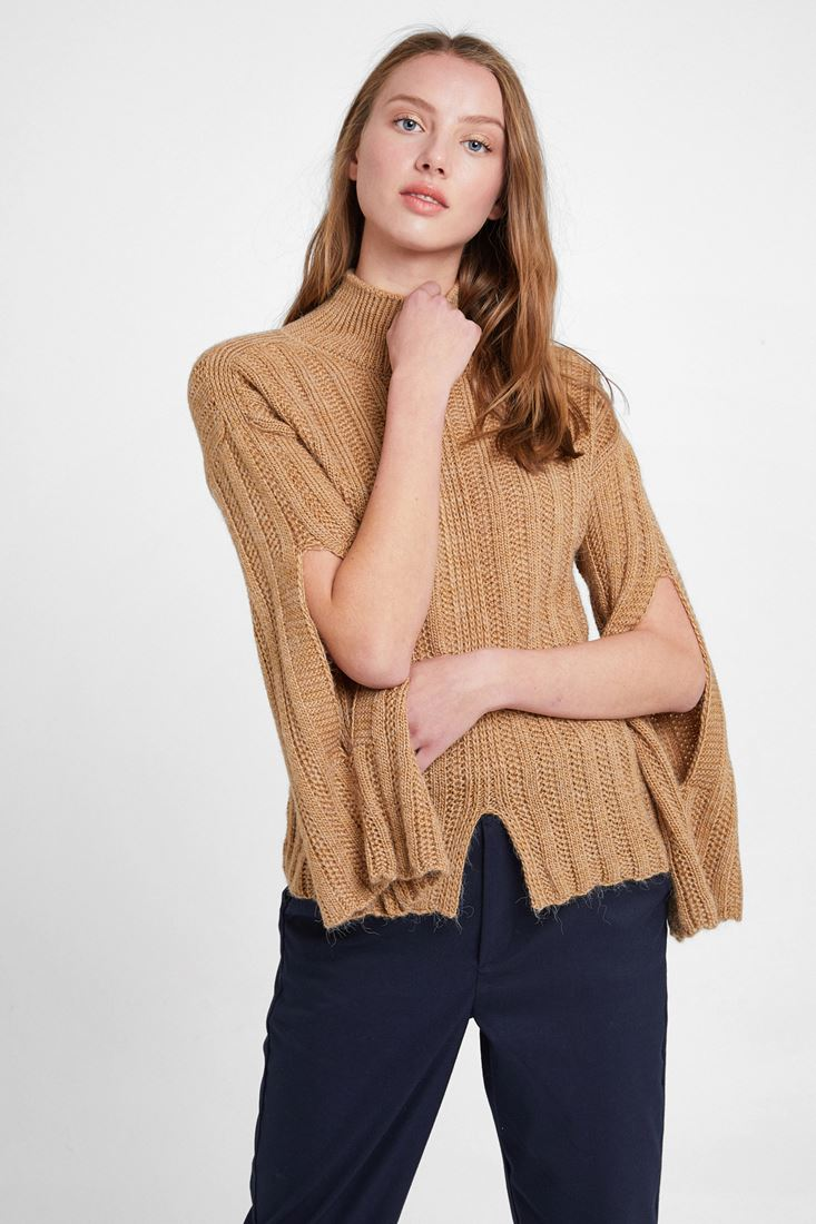 Knitted Pullover with Slash Detail