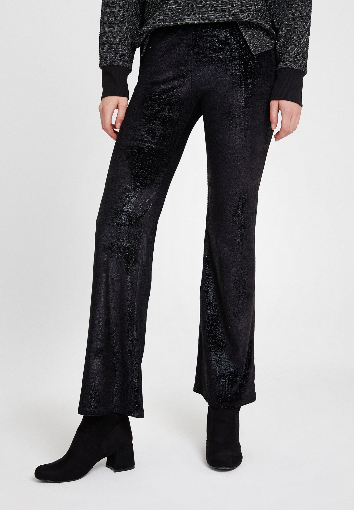 Women Black Textured Trousers with Detail
