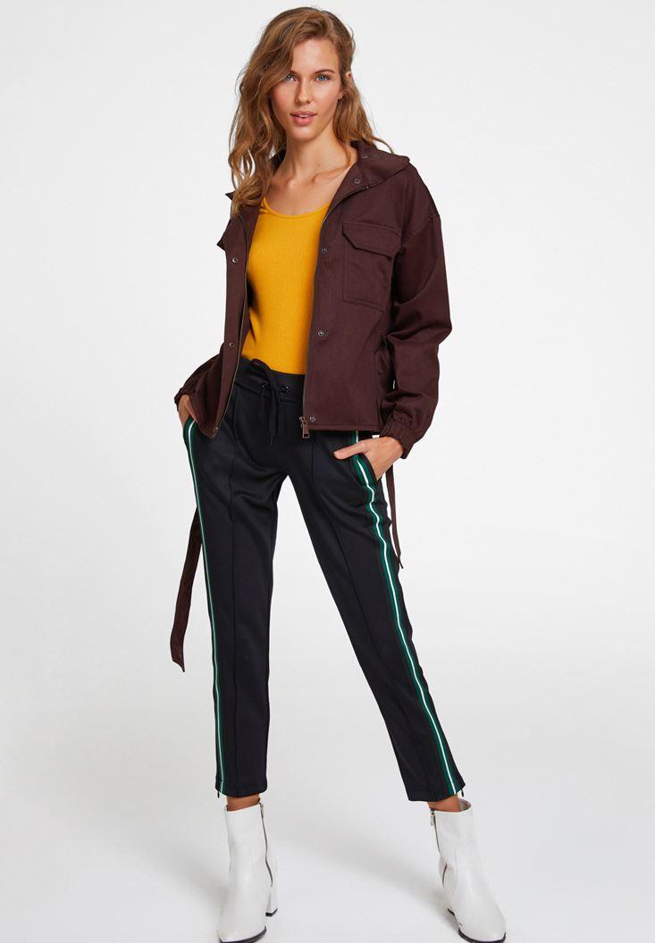 Paça Detaylı Yanı Şeritli Pantolon