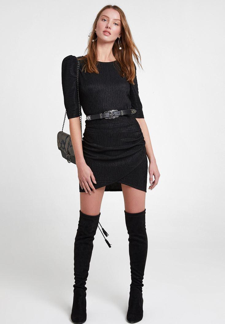 Siyah Elbise ve Siyah Uzun Çizme Kombini