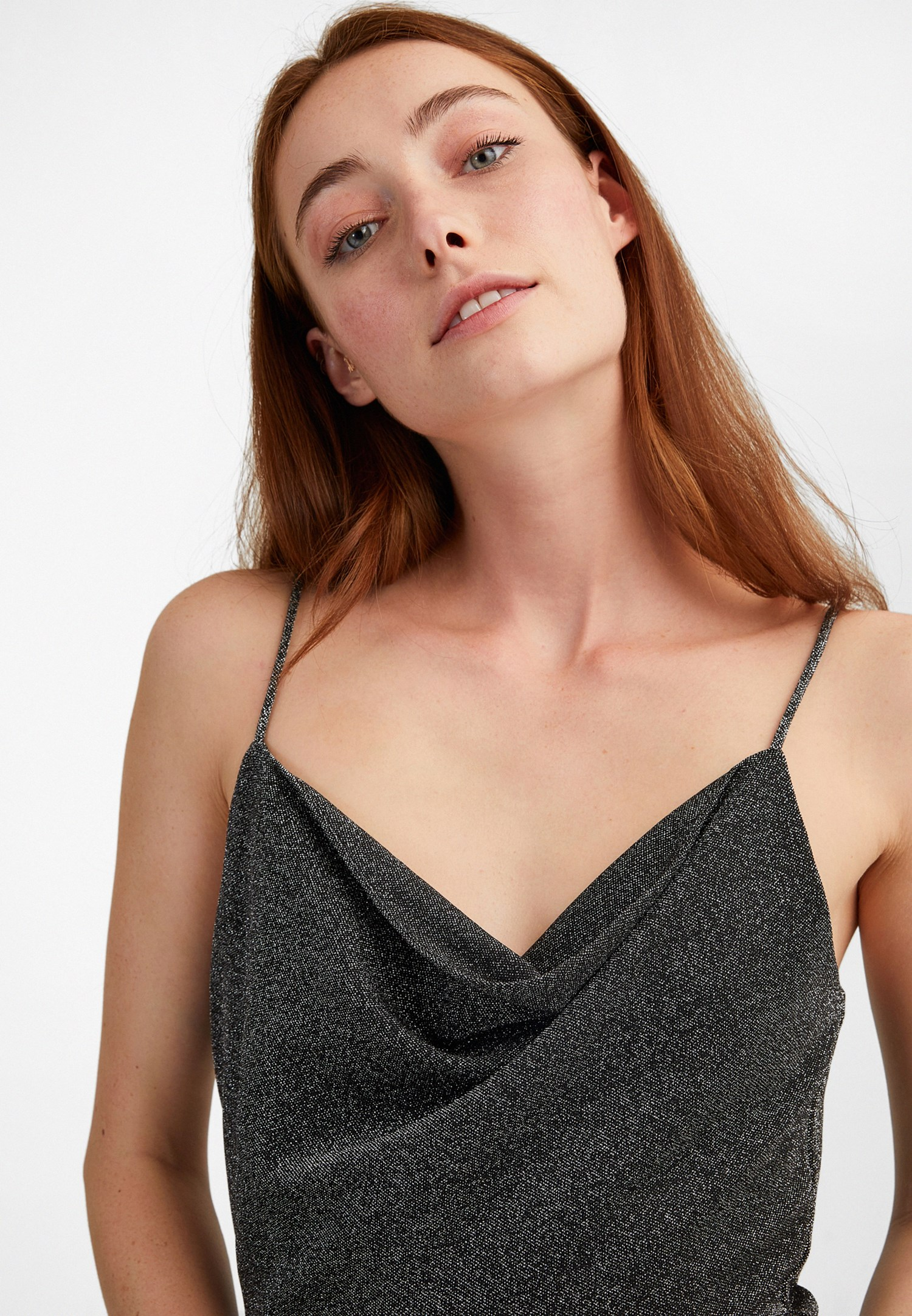 Bayan Siyah Sırt Detaylı İnce Askılı Elbise
