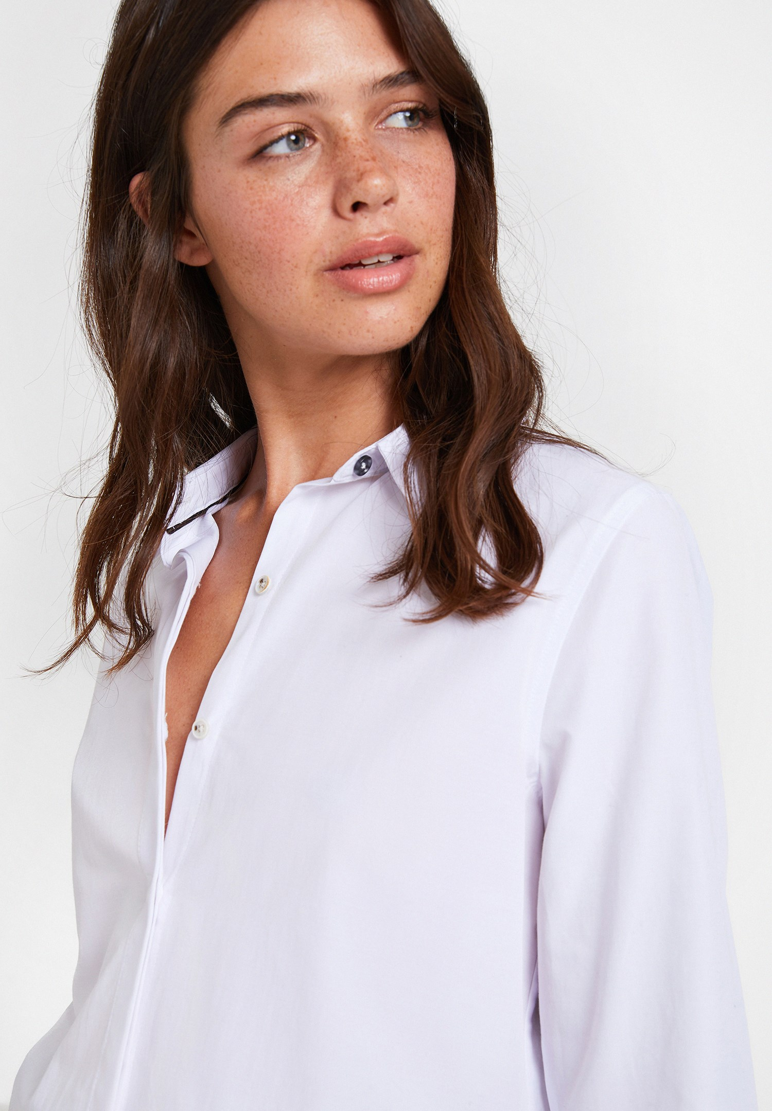 Women White Long Sleeve Shirt with Detail