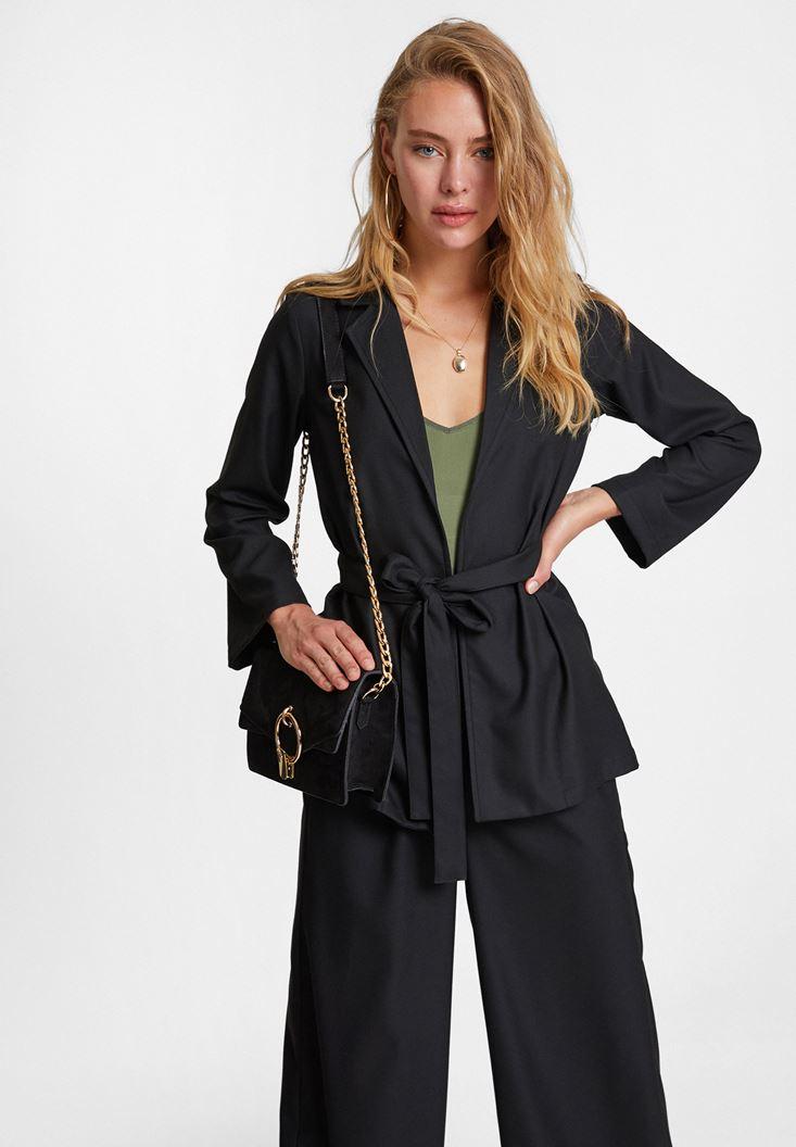 Siyah Beli Bağlama Detaylı Ceket