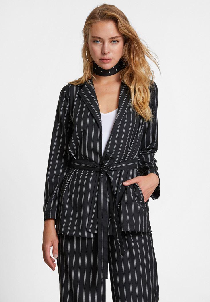 Siyah Çizgi Desenli Beli Bağlamalı Ceket