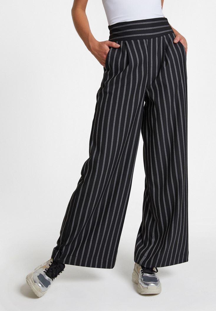 Siyah Çizgi Desen Detaylı Bol Pantolon