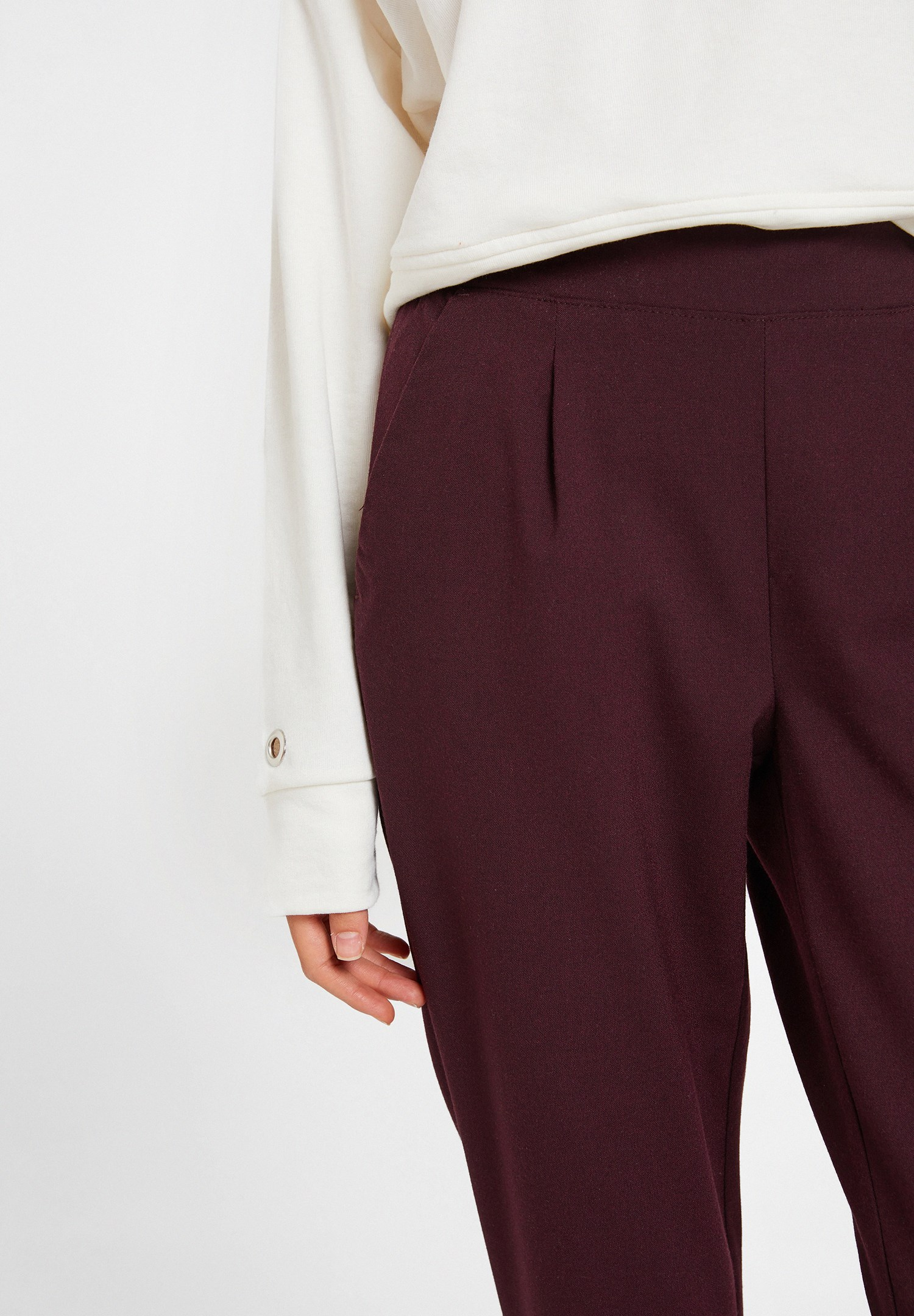 Women Bordeaux Mid Rise Trousers