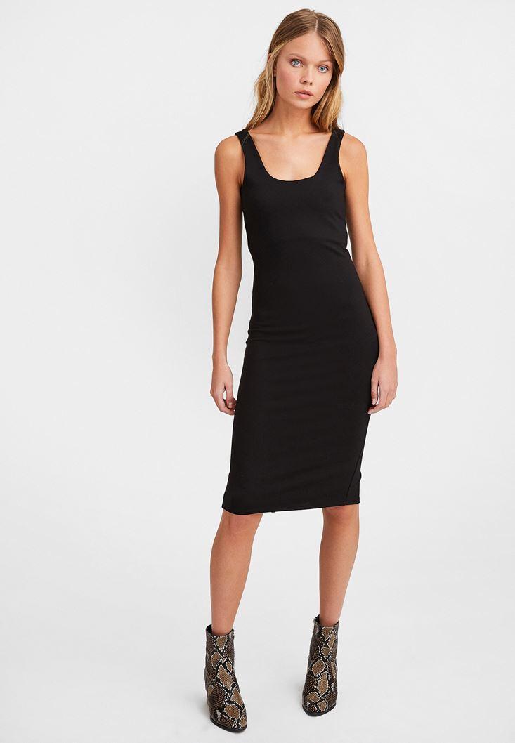 Siyah Kalın Askılı Yırtmaç Detaylı Elbise