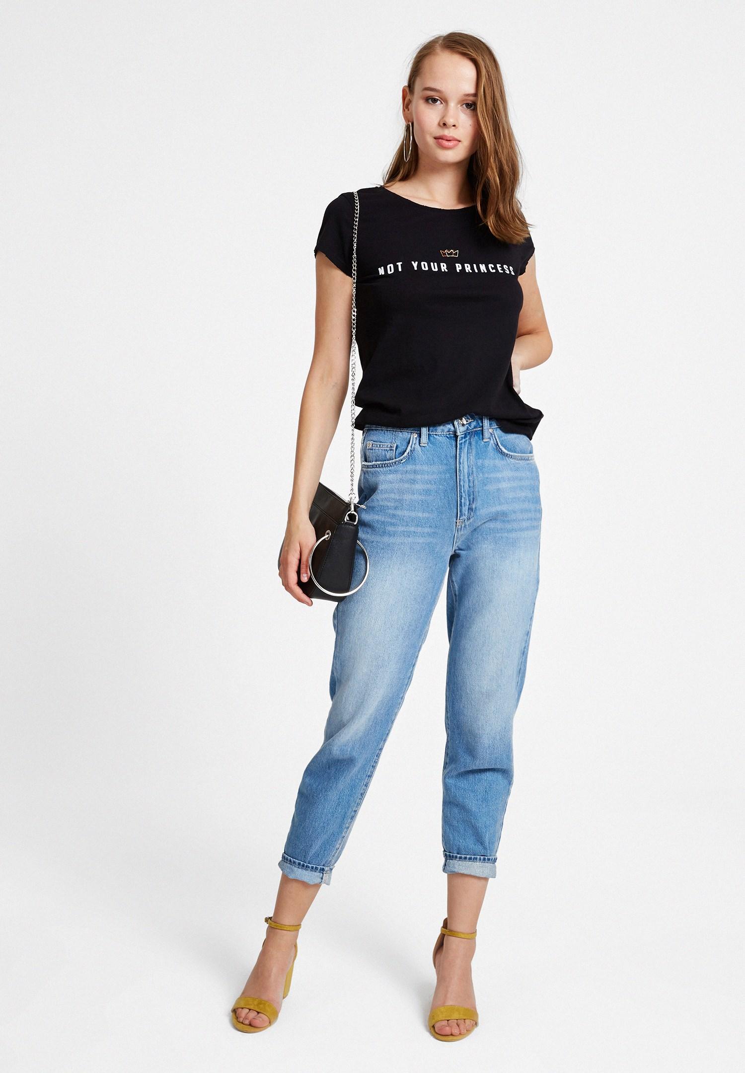 Bayan Siyah Slogan Baskı Detaylı Tişört