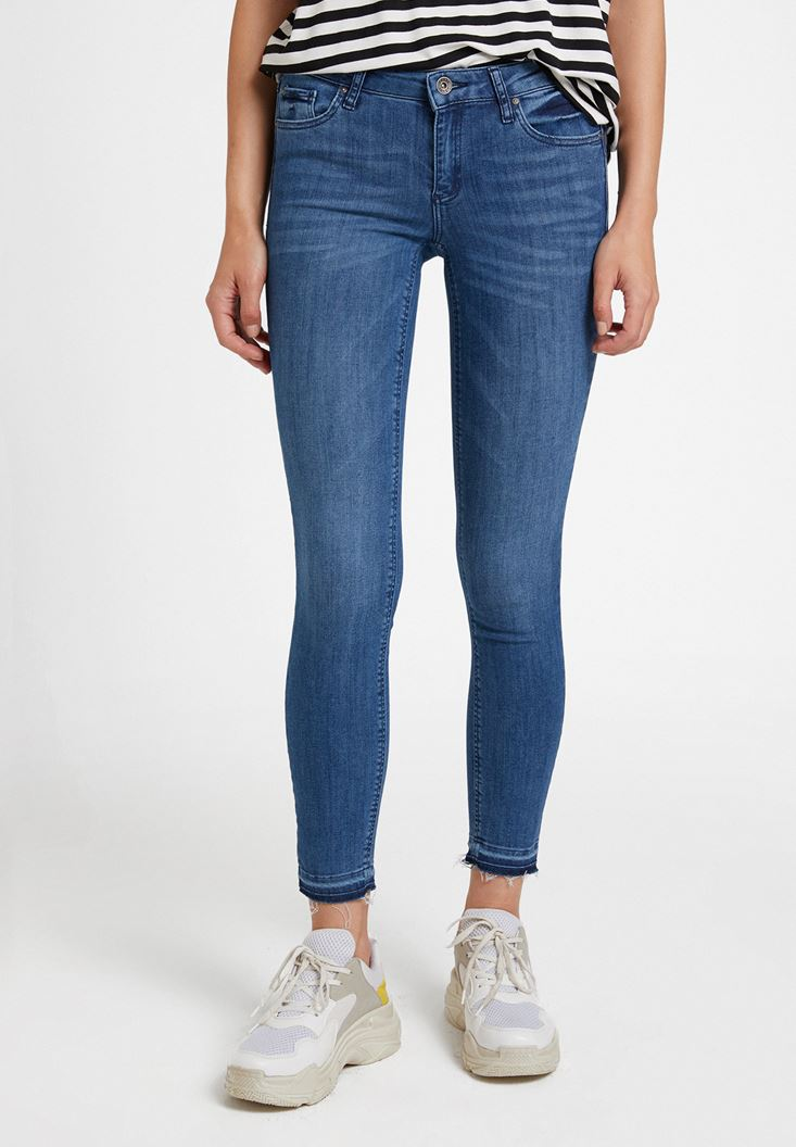 Blue Low Rise Skinny Pants with Details