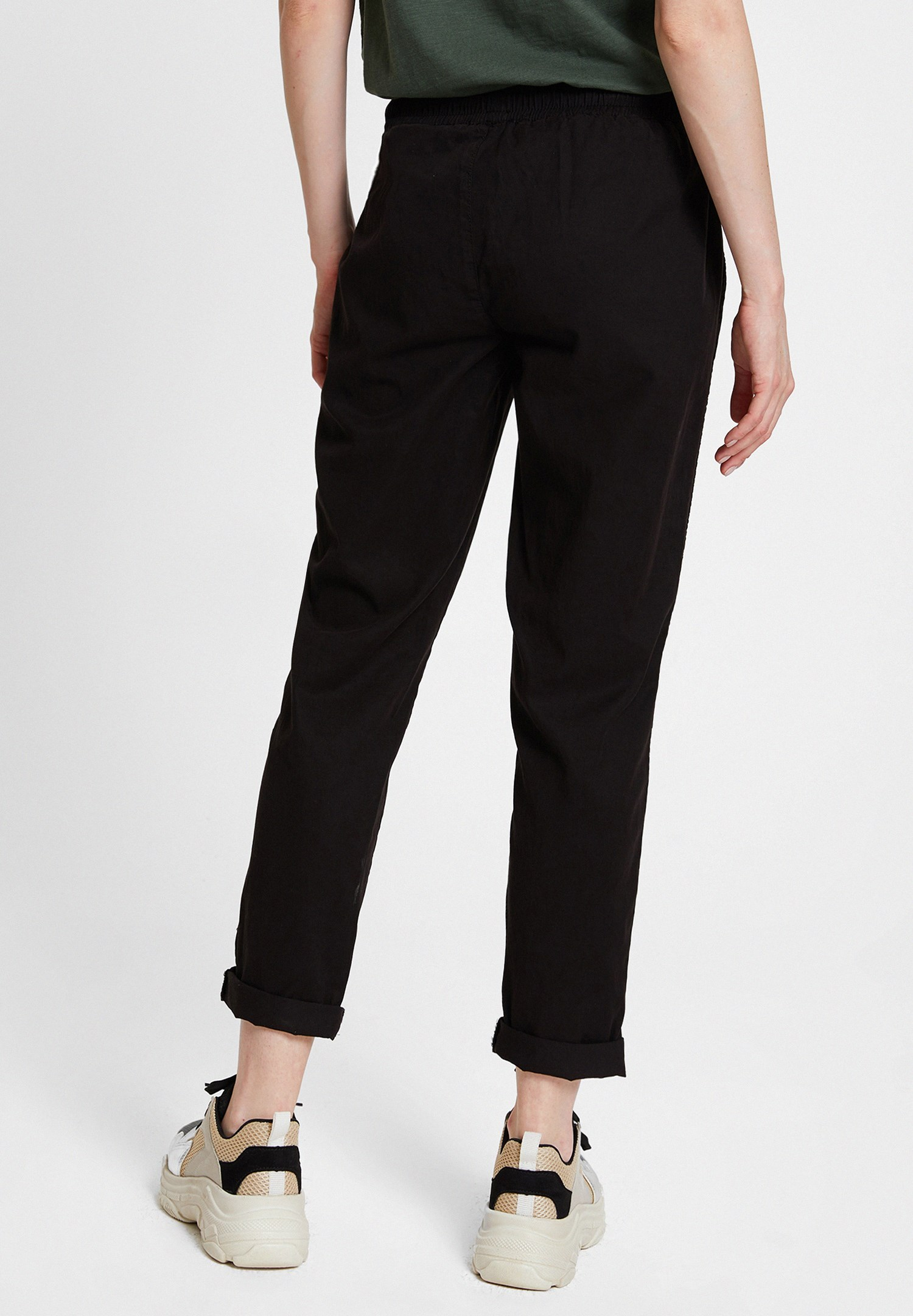 Women Black Jogger with Pockets and Lacing