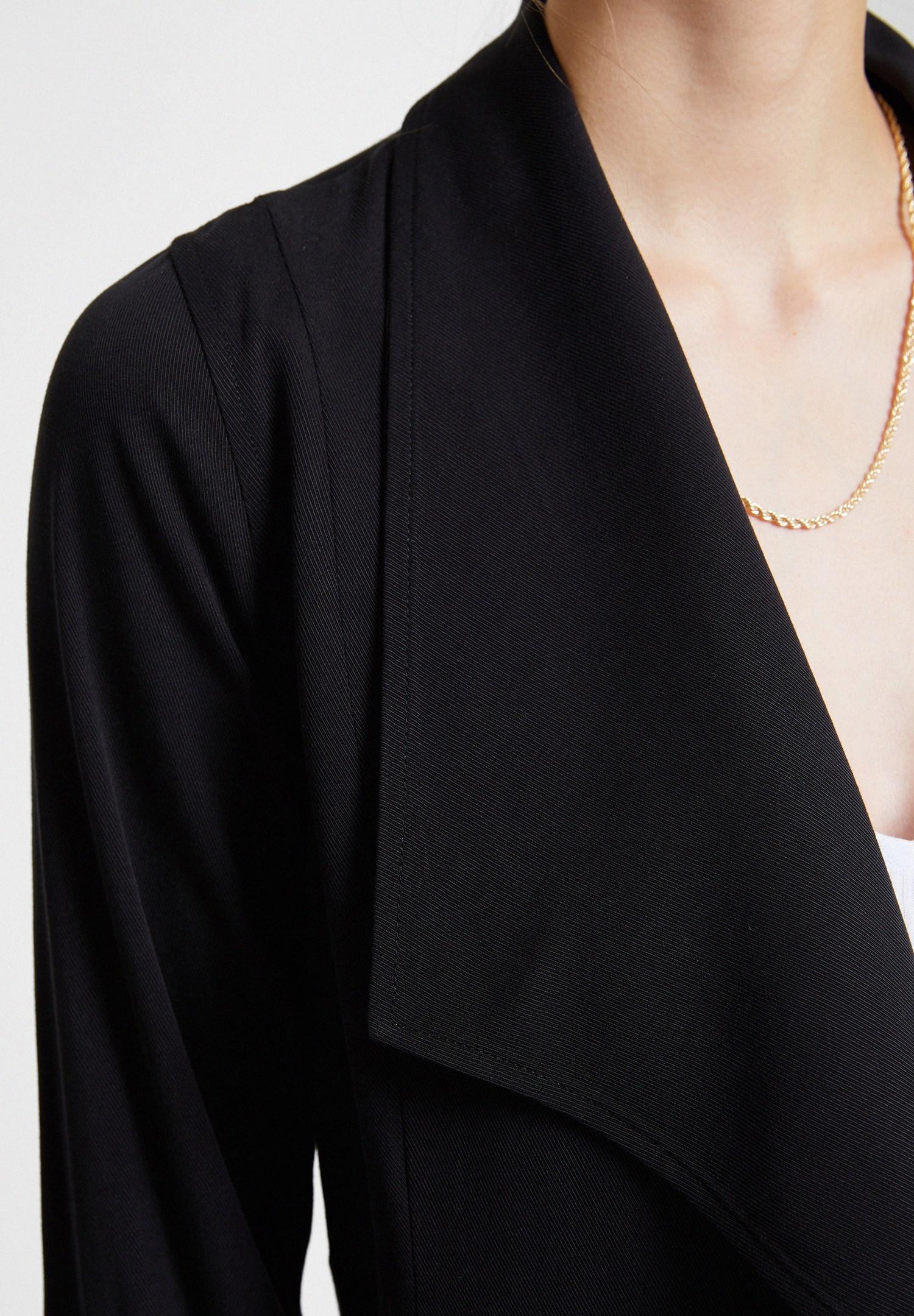 Bayan Siyah Dökümlü Cupro Blazer Ceket