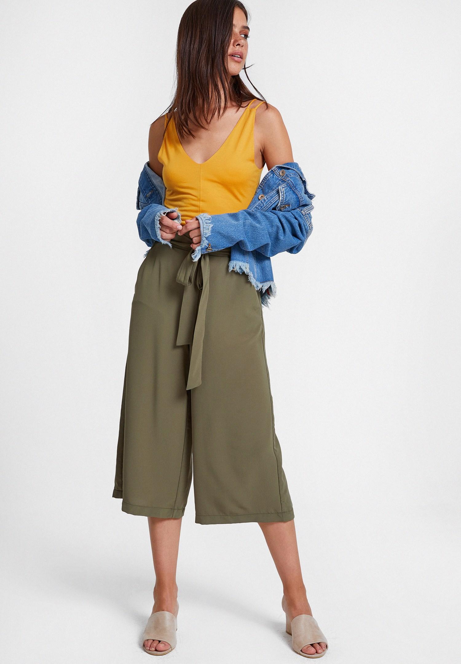 Bayan Turuncu Çift Askılı V Yaka Bluz