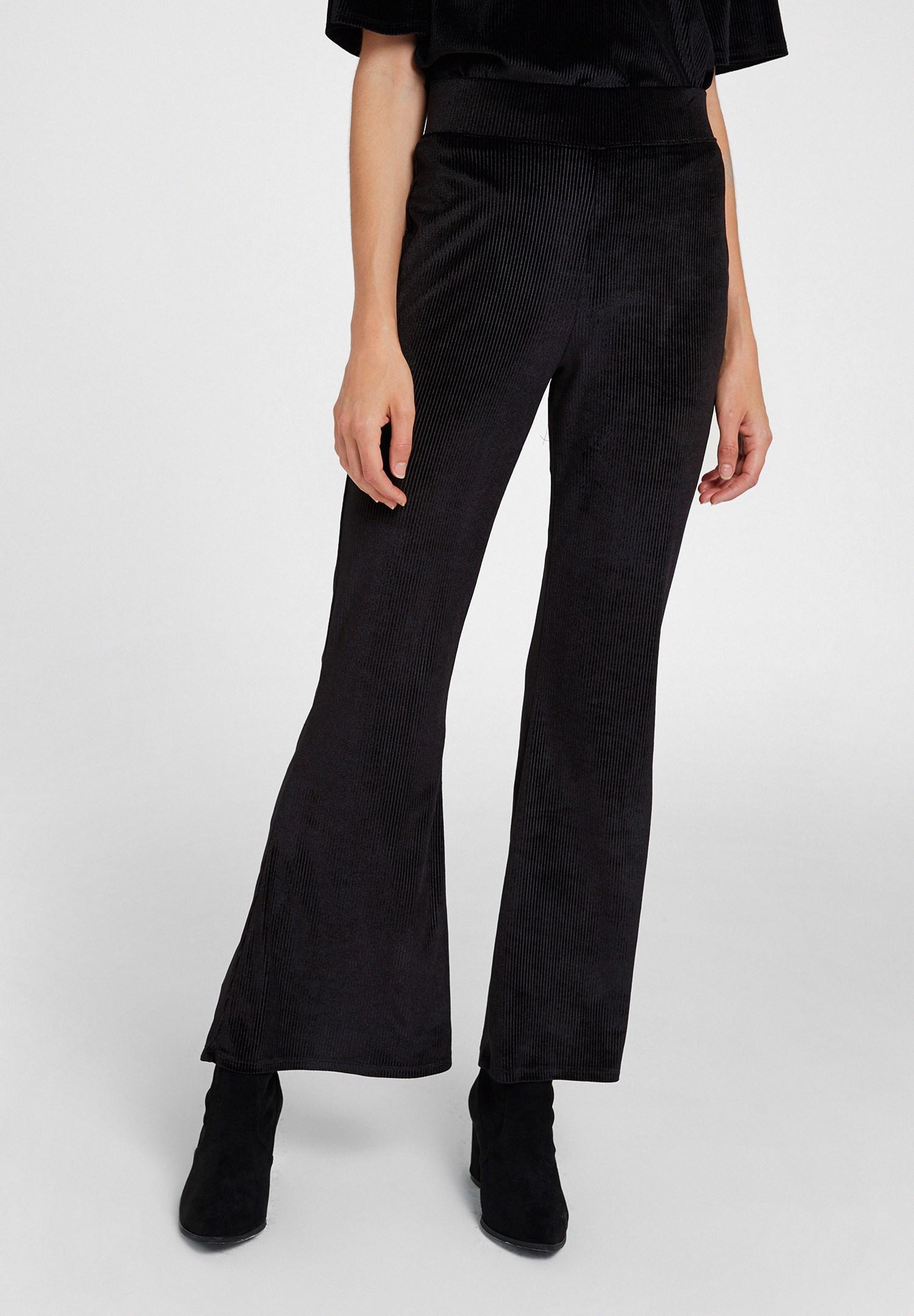 Bayan Siyah Paça Detaylı Kadife Pantolon