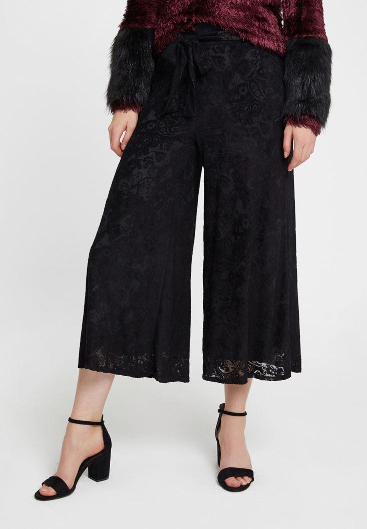 Siyah Kemer Detaylı Kadife Bol Pantolon