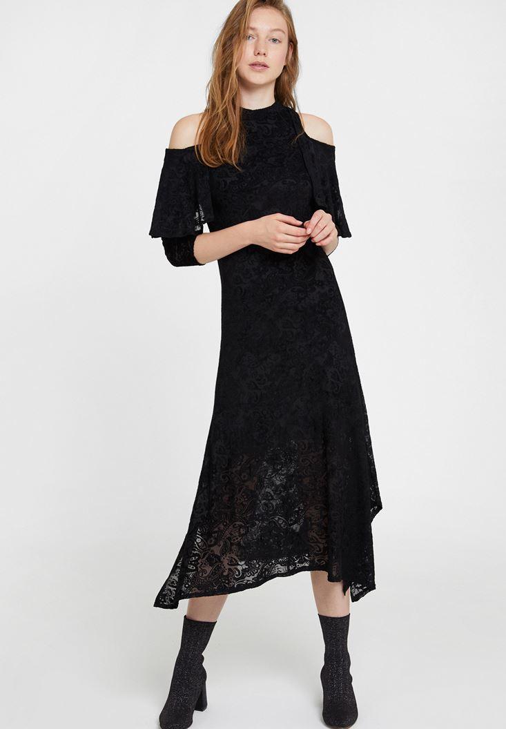 Siyah Omuz Detaylı Kadife Elbise
